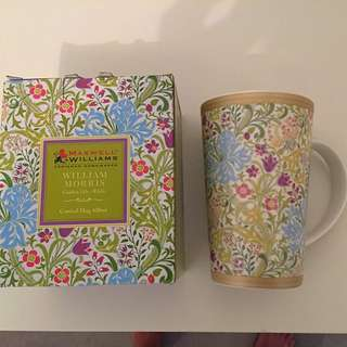 Maxwell & Williams - William Morris Golden Lily White Mug