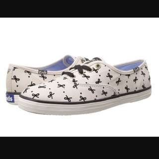 Original KEDS Taylor Swift Edition - Bow Champion