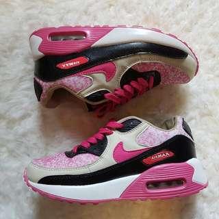 Nike Air Max Sz 6 Wms