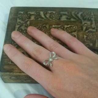 Silver Georgini Bow Ring