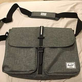 Messenger Herschel Bag