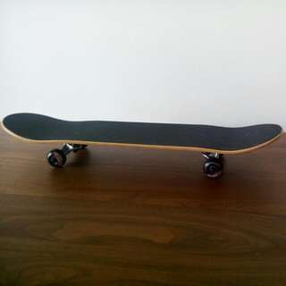 "ELEMENT SECTION 7.5""   Length 31,25 inch Board Width 7,75 inch Wheel Size 52 mm"
