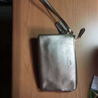 Coach 零錢手機悠遊卡小包 金色