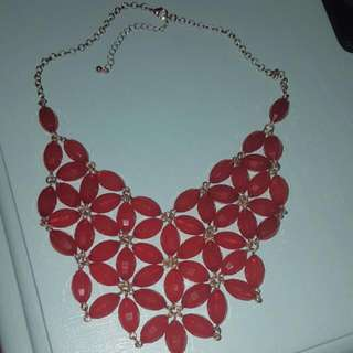 red flower chunky necklace