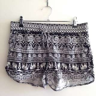 Relaxed Summer Black And White Print Shorts