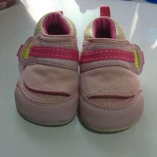 🚚 貝親學步鞋