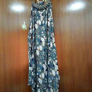 Dress with wood accessories