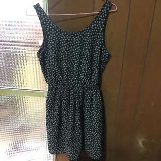 H&M小露背縮腰洋裝
