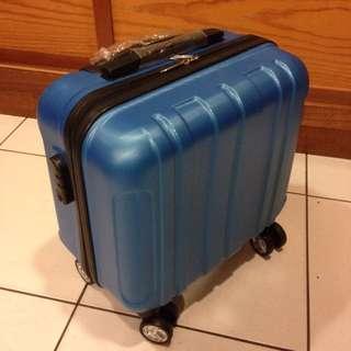 19寸全新行李箱