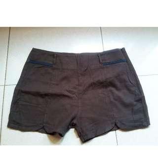 hot pants / celana pendek hardware