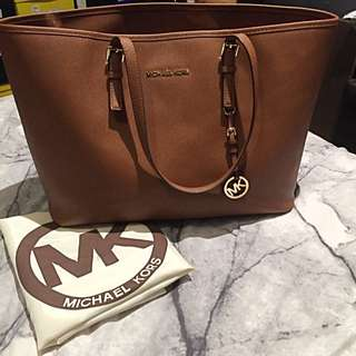 Michael Kors - Tan Jet Set Travel Tote - Large