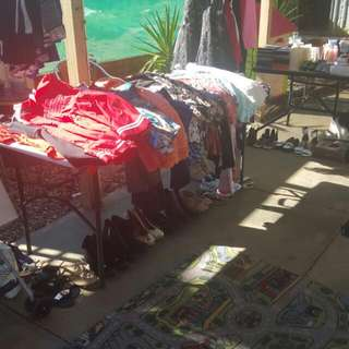Huge Cleanout Of Ladies Clothes.& Thats Only Half Of It In The Pic