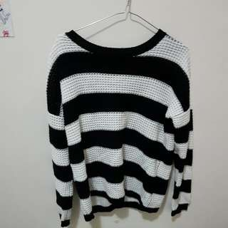 Black And White Sweater (Valleygirl) Size S 8-10