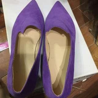 粉紫色麂皮平底鞋