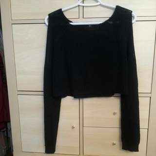 Open-Shoulders Cropped Black Top