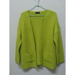 黃開襟針織外套