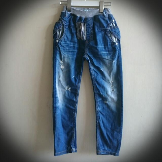 男童個性牛仔褲!