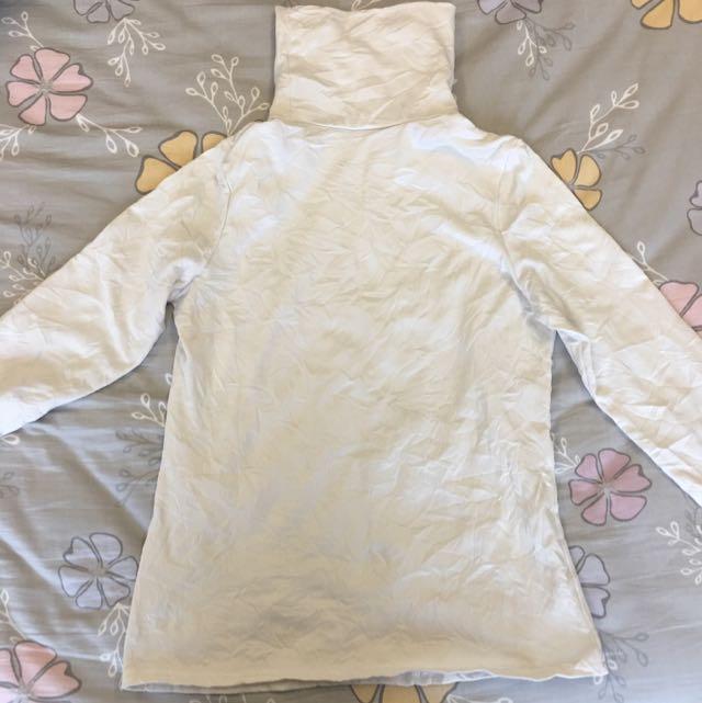 白色高領內搭 超保暖