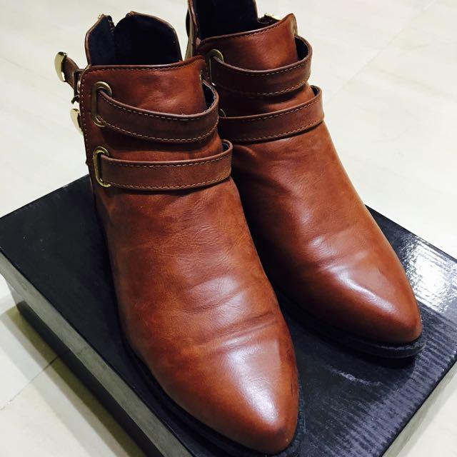💯全新 咖啡色 秋冬 棕色 尖頭 低跟 短靴