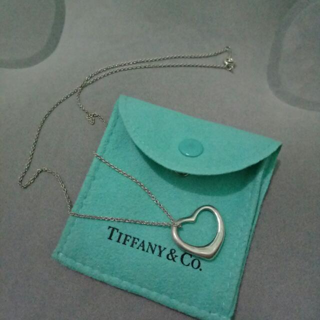 ff2621f30 Authentic Tiffany & Co. Elsa Peretti Open Heart Necklace, Women's ...