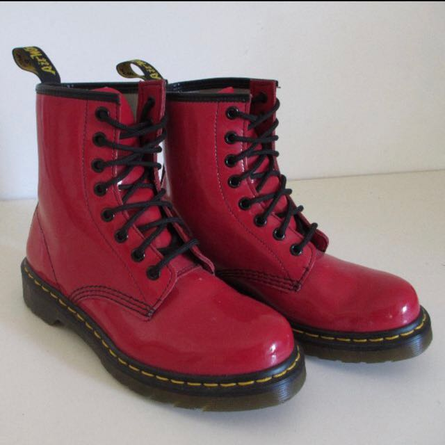 Price Mark Down🙌🏻 Doc Martens - Red 37