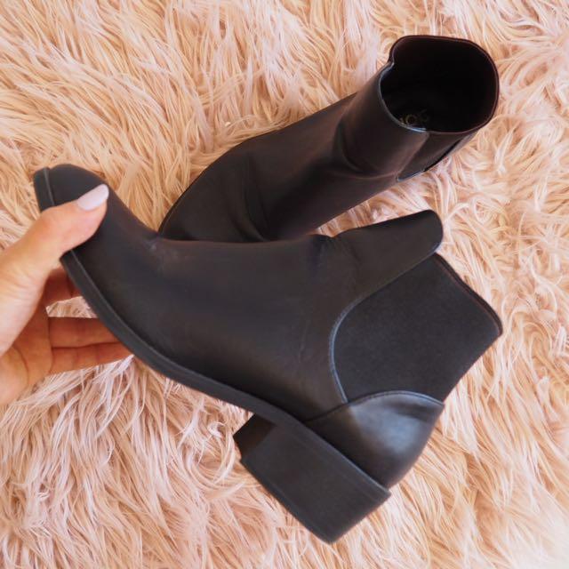 Dotti - Black Ankle Boots (AU6/7)