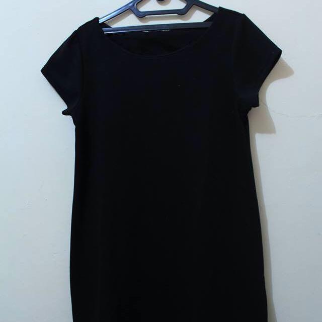 Dress Hitam Wanita