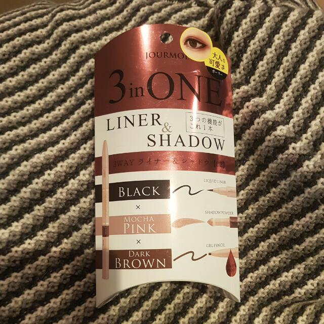 Liner And Eyeshadow 3-in-1