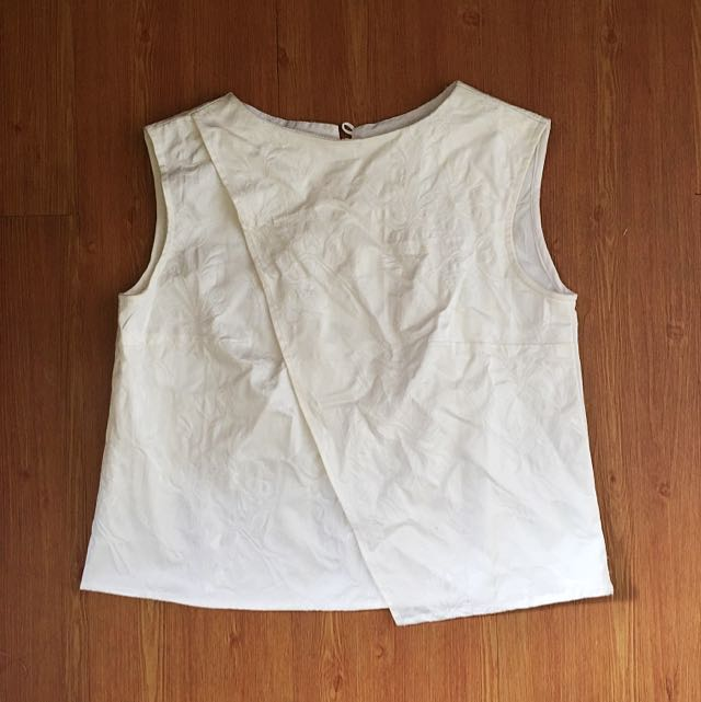 WHITE CROP TOP | LOCAL BRAND