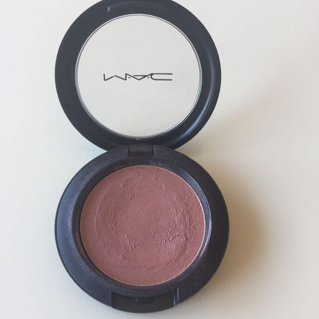 "MAC ""Brit Wit"" Cremeblend Blush"