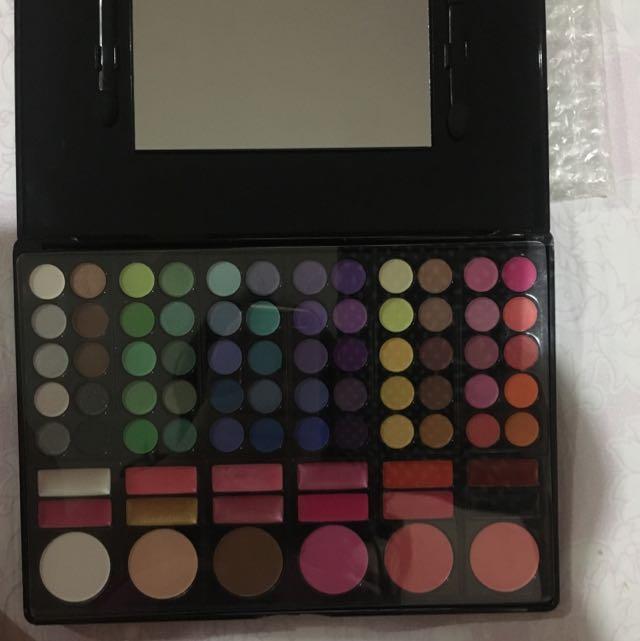 MAC cosmetics palette: 60 eyeshadows + 6 blush + 12 lipstick KW SUPER