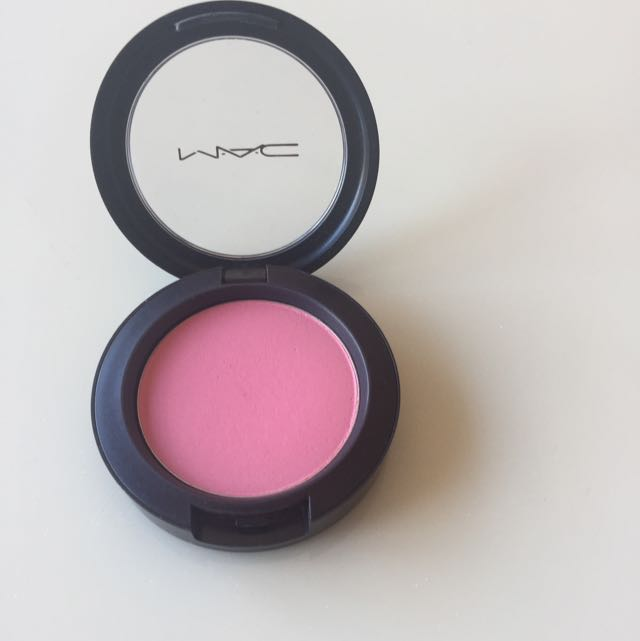 "MAC ""Pink Swoon"" Sheertone Blush"