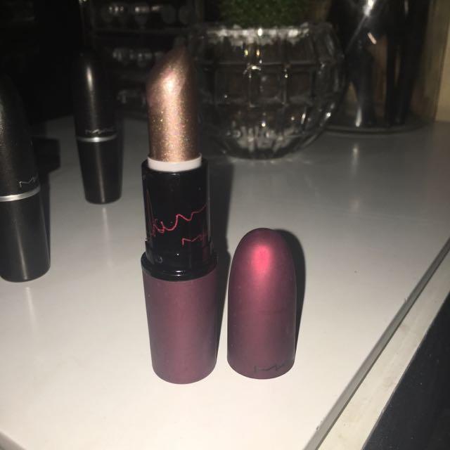 MAC Viva Glam Rihanna 2 Lipstick