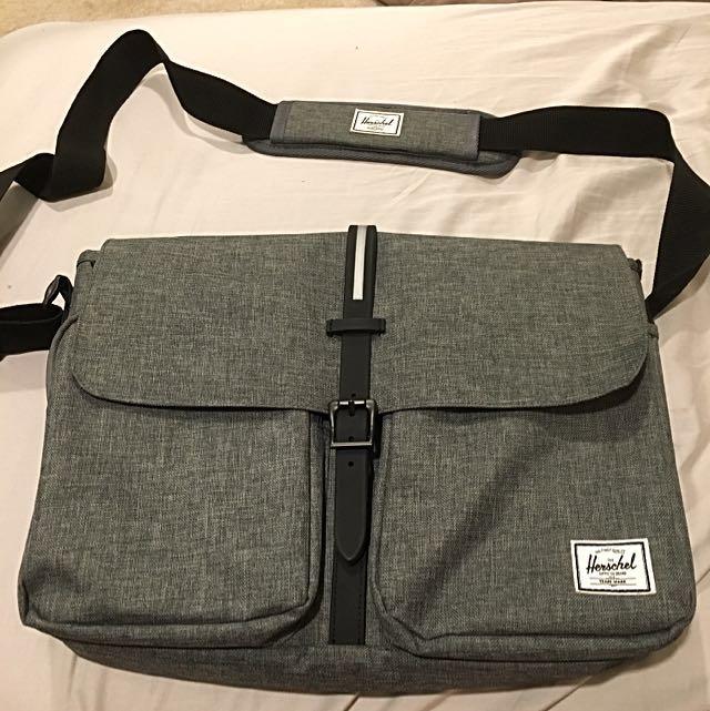 Messenger Herschel Bag