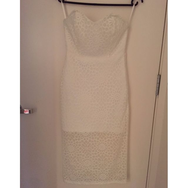 Paint It Read white lace strapless dress XS BRAND NEW