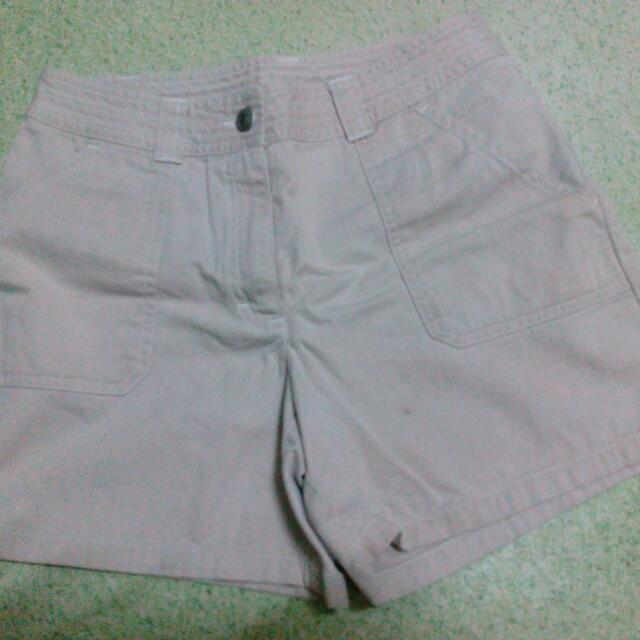 Pre-loved Cream Shorts