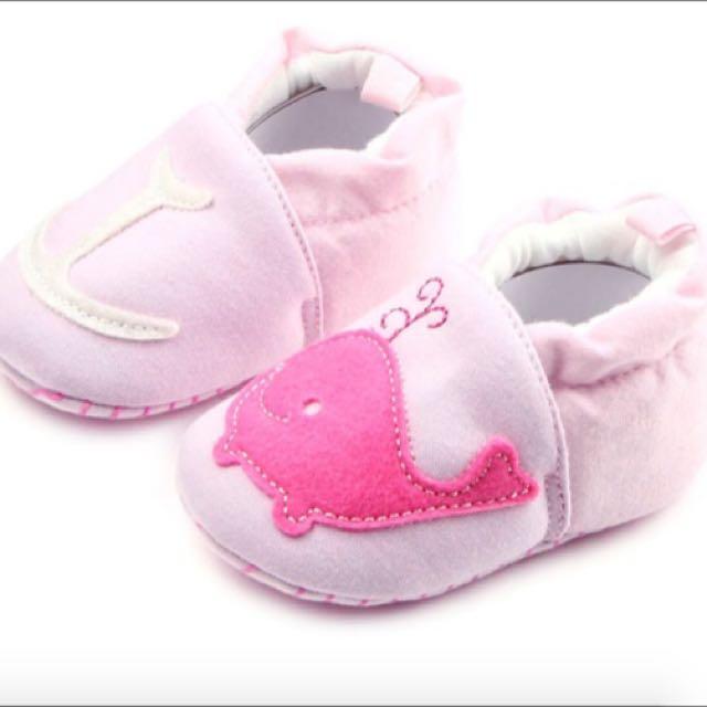 Preloved Prewalker Babyshoes Pink Whale