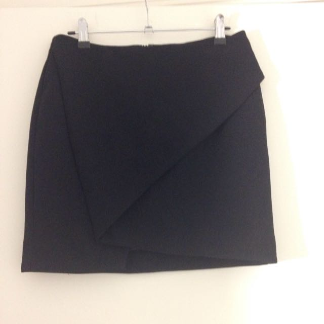 Size 10 Sheike Skirt Worn Once