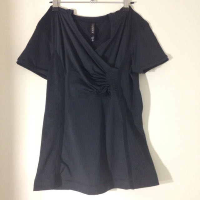 Size M Lorna Jane Black Top Worn Once