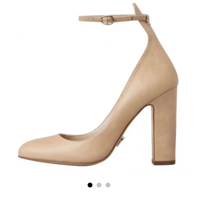 Windsor Smith Beige/Bone Pumps