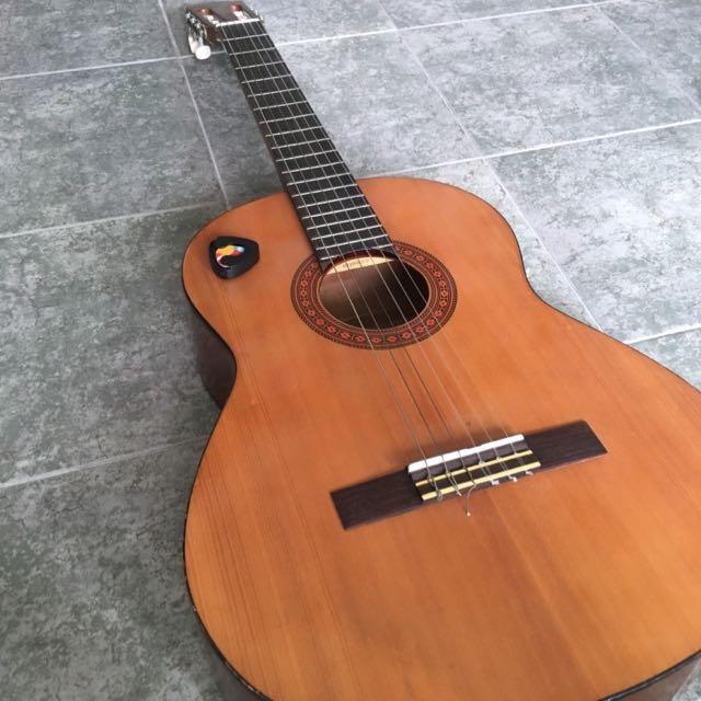 Yamaha C40 Guitar