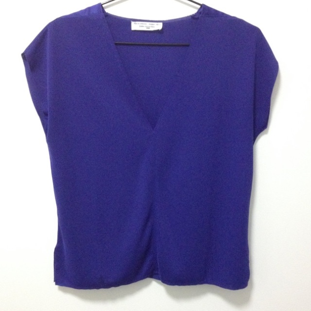 ZARA Collection W&B V-Neck Top Size S