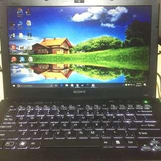 Sony Vaio Laptop i7-2620M Processor, 6 Gig ram, 640 GB Hard disk, ATI RADEON 6600M With Mouse And Original Bag