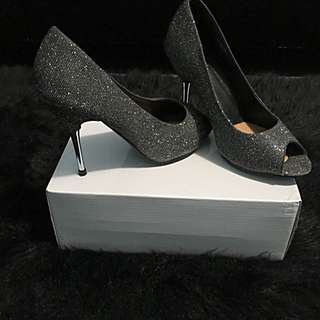 Suzy **Reduced**Shier Shimmer Silver Peeptoe Pumps(size 7)