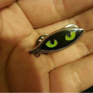 Cat Eye Pin