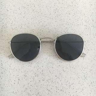 Round Rayban Style Sunglasses