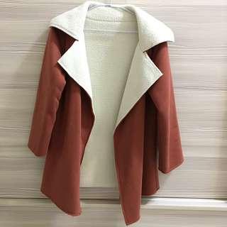 橘紅色大衣