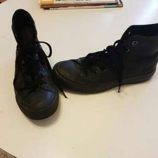 Black Leather Converse _Mens Size 4- Womens Size 6
