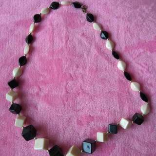 Kalung Black And WHITE