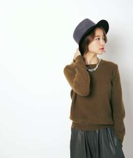 9成新 Korea Aroma Studio 韓國製特殊茶色短版毛衣